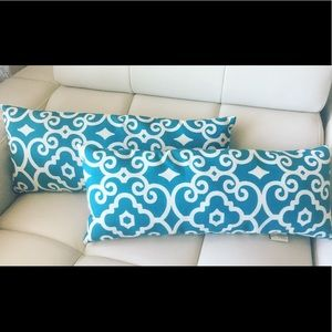 Stratford Home lumbar blue and white pillow